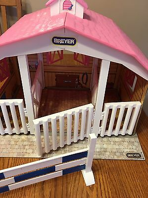 Pink Breyer 3 Horse Stable - Classics Model #2075