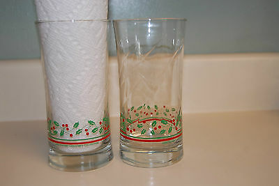 """Arby's Libbey 5 3/4"""" Drinking Glasses Tumblers Clear w/ Holly & Berries Set of 2"""
