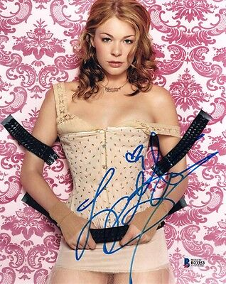 LEANN RIMES SIGNED AUTOGRAPHED 8x10 PHOTO COUNTRY MUSIC VERY SEXY BECKETT BAS
