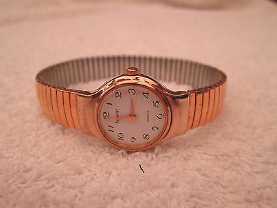 Ladies Accurist Gold Tone Watch With Expanding Bracelet