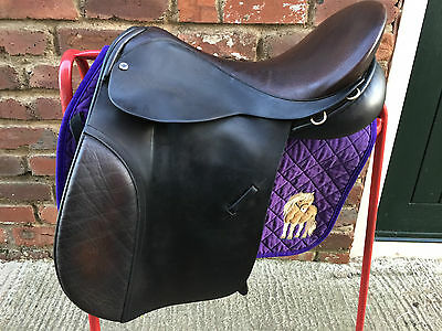 """18"""" Black Country Straight Cut Show Saddle"""