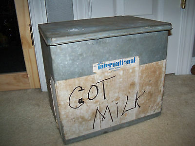 Antique Vintage Insulated Galvanized Milk Box Porch Cooler 12 x 11 x 9