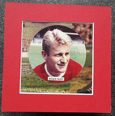 """ROGER HUNT -  LIVERPOOL & ENGLAND 1966 WORLD CUP SIGNED 6""""x 6"""" MOUNTED PICTURE"""
