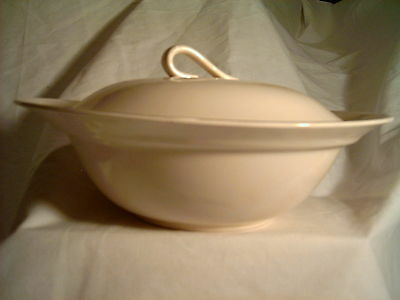 Wheat with Blue Flowers China Vegetable Bowl with Lid