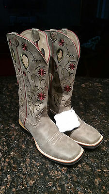 Horse Western Boots by Twisted X size 8.5 BRAND NEW PRICE REDUCTION