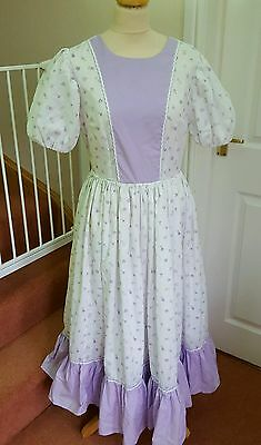 Ladies size 12 Victorian style Dress Floral Lilac and White