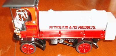 NIB TEXACO TANKER 1910 Mack BANK  Di - cast Metal Replica