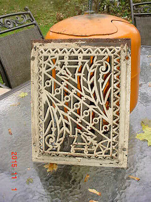 Vintage Original Cast Iron Fabulous EASTLAKE   Aesthetic  Motif Heating Grate