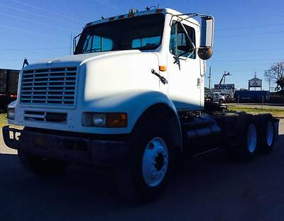 1997 International 8100 Tandem Axle Daycab Tractor