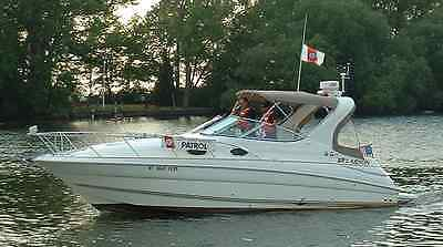 Gorgeous 2004 Larson 290 Fiberglass Cabin Cruiser With Two Twin Volvo Penta V8's