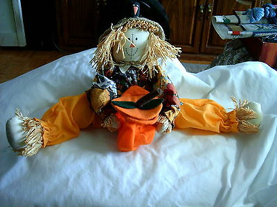Hallowe'en - Scarecrow with Candy Bowl