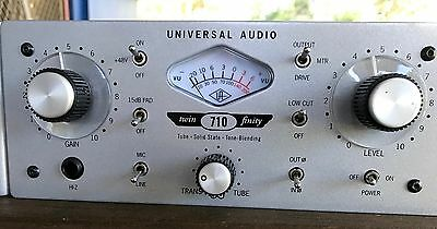 Universal Audio Twin Finity 710 Hybrid Tube/Solid State Mic Preamp