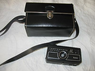 Vintage Kodak Instamatic 44 Camera with Flash & Case