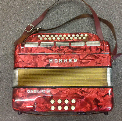 Hohner Gaelic VINTAGE 60's/70's GERMAN 8 bass button accordion, KEY OF B,working