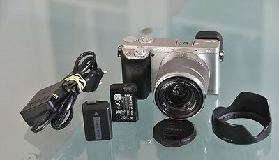Sony Alpha 6000 + 18-55 OSS + 2 batteries + chargeur.