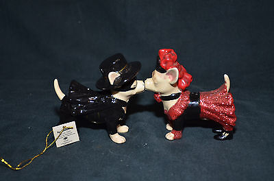 """Westland """"Aye Chihuahua"""" Porcelain Magnetic Salt and Pepper Shakers"""