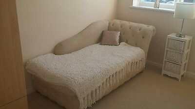 Beautiful Cream/Beige Fabric Bed Room/Living Room Chaise Lounge
