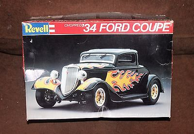 Revell '34 Ford Coupe 1/25 Scale Model Kit, Open/Complete