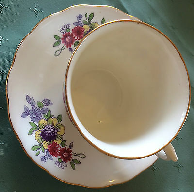 Lovely VALE cup & saucer. Floral bouquet, gilt edging. Pre-1913 as not Royal yet