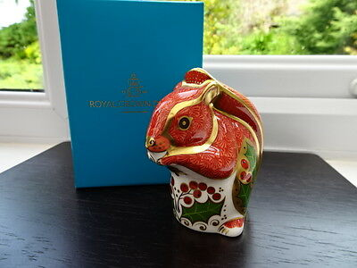 Boxed Royal Crown Derby Christmas Squirrel Paperweight Gold Stopper BNIB