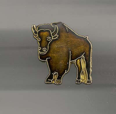 Vintage Buffalo in Perspective old enamel pin