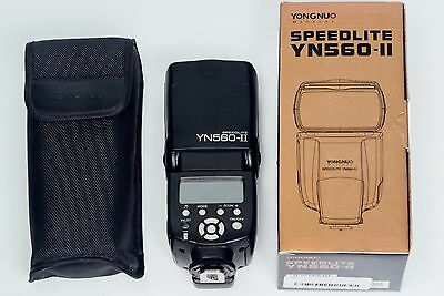 Yongnuo Speedlite YN560-II for Canon. Mint. Original packaging, pouch and stand.