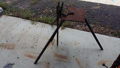 """Vintage Dawn Pipe Vice C-6"""".workshop,plumbing,shed,old,tools,rare,threading,tube"""