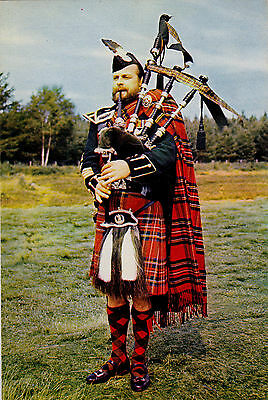Pipe-Major Of The Pipes And Drums, Queen's Own Cameron Highlanders : Postcard