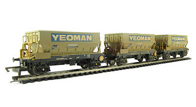 Hornby Yeoman PGA Hopper Three Wagon Pack (Weathered) R6511