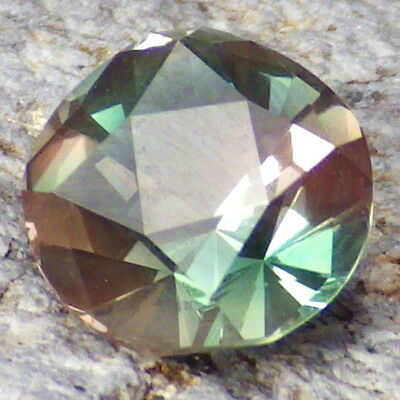 BLUE-TEAL DICHROIC OREGON SUNSTONE 1.23Ct CLARITY SI2-COLLECTOR GRADE!