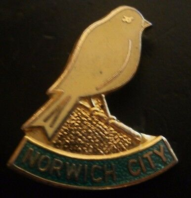 Norwich City Football Club Crest Brooch Pin Badge Maker Coffer