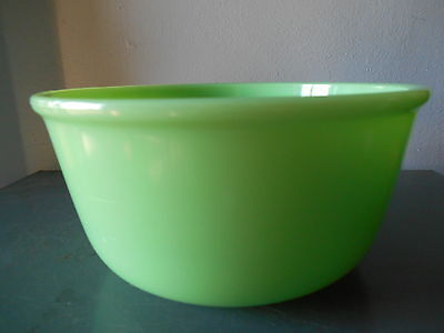 """Vintage Jadeite Green Heavy Glass 9 1/4"""" Mixing Bowl W. Center Dimple-Unmarked"""
