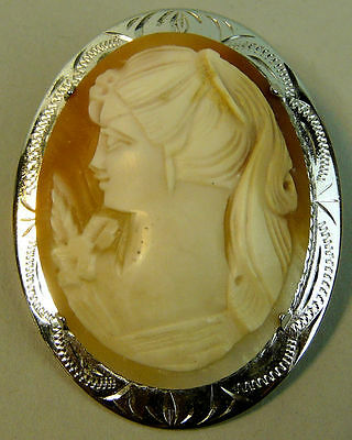 A Fine Vintage Silver Carved Shell Cameo Brooch C.1970
