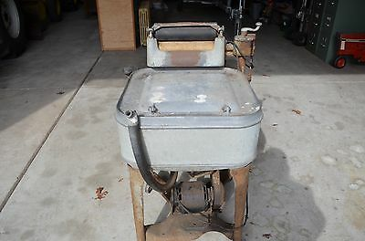 Vintage Maytag Gyrator Washer with Ringer