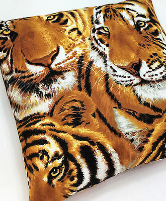 Tigers- heating/cooling pad filled with cherry stones, 20x20cm