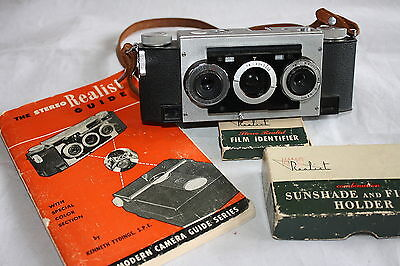 Vintage Stereo Realist Camera With Field Case And Guide Book