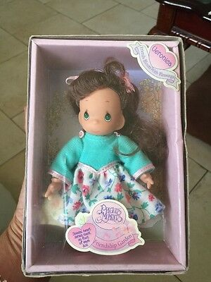 Precious Moments Figurine #40000 ~ Friendship Garden Doll ~ Veronica ~ 1998 Toy