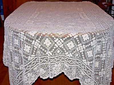 EXQUISITE VINTAGE FILET LACE TABLECLOTH, HAND DARNED, GORGEOUS LACE, c1930