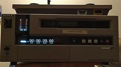Sony Beta UVW-1800 With Desktop Remote Control + Cleaning Tape
