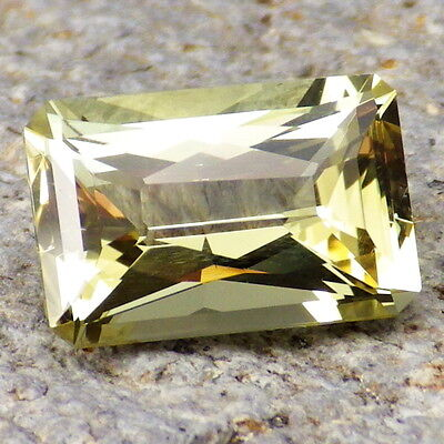 APATITE-MEXICO 3.93Ct FLAWLESS-FOR TOP JEWELRY-LIVELY YELLOW GREEN COLOR