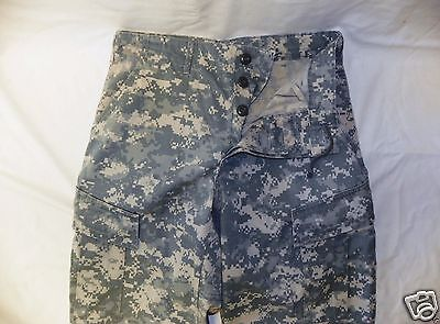 ARMY ACU DIGITAL COMBAT UNIFORM PANTS 50/50 COTTON  RIP-STOP Medium Short