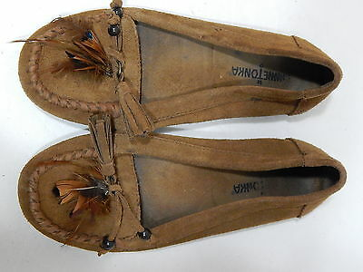 Minnetonka Moccasins Brown Leather Tassel Feather Women's SIZE 6.5