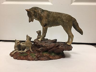 "Hamilton Collection ""mother's Watch"" Wolves Ceramic Rustic Figurine, 024-I"