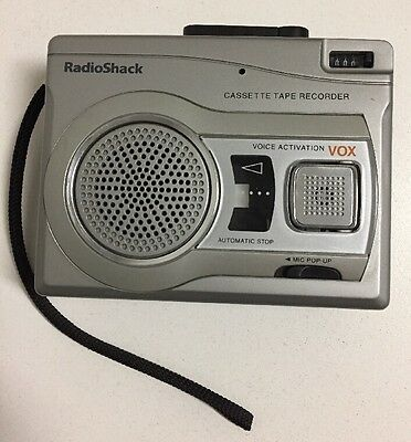 RadioShack 14-1129 CTR-122 Cassette Tape Voice Activation VOX Recorder Player