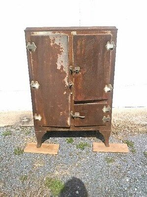 Antique / Vintage Ice Box