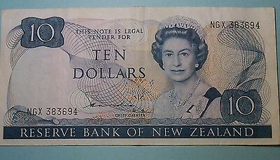 New Zealand. 10 dollars banknote  P172a Hardie