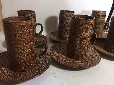 Fantastic!! VINTAGE RETRO SET OF 6 POTTERY MID CENTURY COFFEE CUPS & SAUCERS