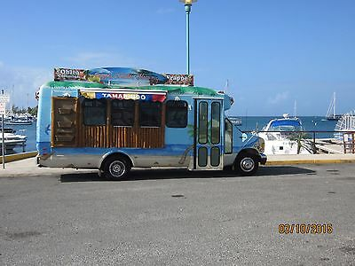 Food Truck (Bus) Business Equipped And Ready To Work