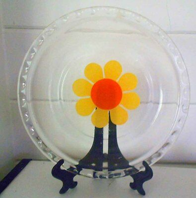 Vintage Pyrex, Milk Glass Daisy Pie Dish, Great Condition