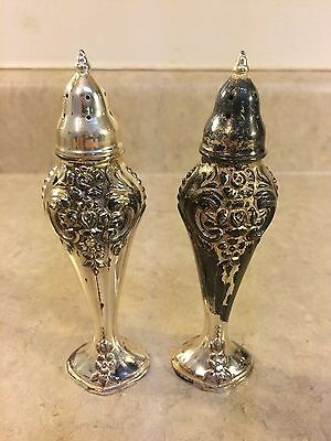 Vintage 1881 Rogers Oneida Silver Plated Salt And Pepper Shakers